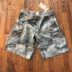 Mossimo Men's Gray Camo Cargo Shorts Size 36